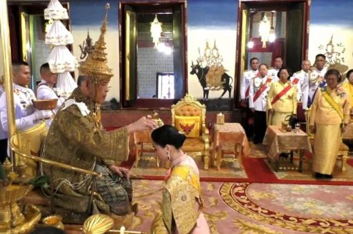 Tailande karūnuotas karalius Maha Vajiralongkornas