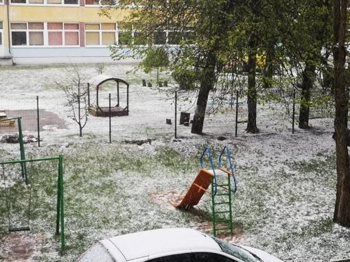 Šiauliuose - pavasarinis sniegas