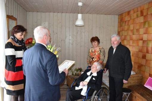 Garbingo amžiaus sulaukusiai jubiliatei – nuoširdūs sveikinimai