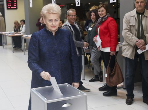 D. Grybauskaitė nebalsavo referendume dėl Seimo narių mažinimo: referendumas beprasmis