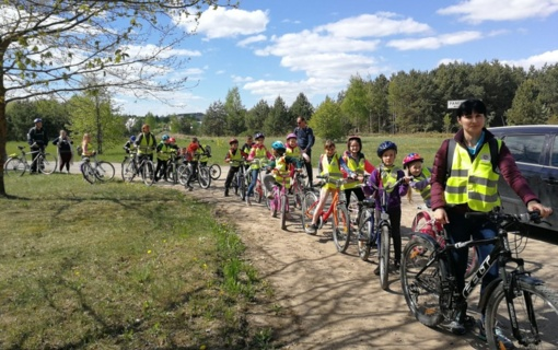 Moksleivių ir tėvų dviračių žygis iš Prienų link Birštono