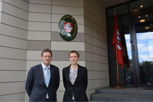 Lietuvos Respublikos ambasadoje Latvijos Respublikoje veikia biržietės dailininkės paroda