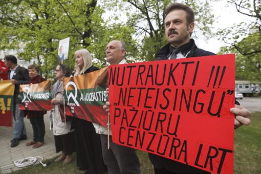 A. Juozaitis surengė trečią mitingą: į nacionalinius debatus žada sugrįžti, tačiau skelbia rezoliuciją dėl LRT