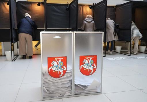 Prezidento rinkimuose ir referendumuose iki 13 val. balsavo beveik 22 proc. rinkėjų