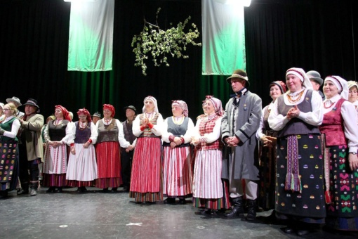 """Folkloro festivalyje """"Pavasaris sodus rėdo"""""""
