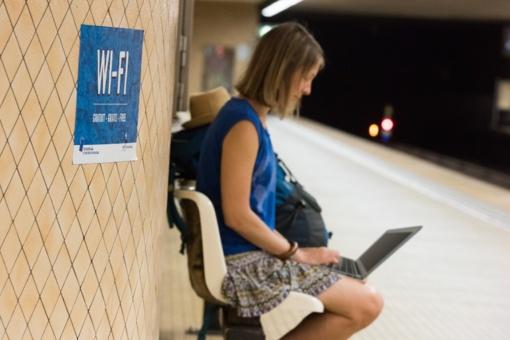 Dar penkiolikai savivaldybių - nemokamas belaidis internetas viešose vietose. Ar jūsų miestas tarp jų?