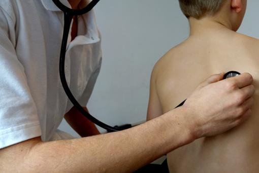 Atsisakoma perteklinių pažymų apie vaikų sveikatą