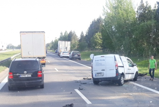 Automagistralėje netoli Kauno – smarkus susidūrimas