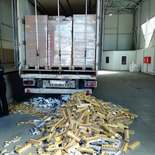 Cigarečių kontrabandos tendencijos: didžiausi sulaikymai prie sienos su Rusijos Kaliningrado sritimi