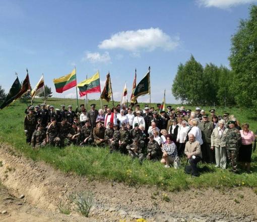 Pašventinti paminklai žuvusiems partizanams, ryšininkams, tremtiniams ir politiniams kaliniams atminti