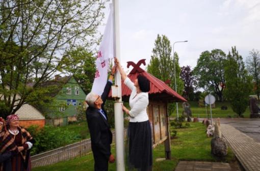 Mosėdyje Lietuvos mažosios kultūros sostinės atidarymo šventėje atsiskleidė bendrystės stiprybė