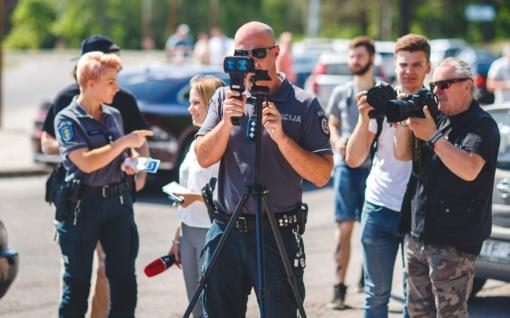 Policija ieškojo pavyzdingų vairuotojų