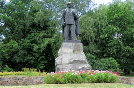 Rašytojų sąjunga – prieš P. Cvirkos paminklo nukėlimą Vilniuje