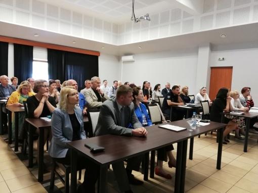 STT savivaldybes pakvietė diskutuoti