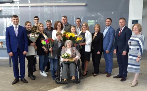 Kretingos rajone gyvenančiai daugiavaikei mamai – Prezidentės apdovanojimas
