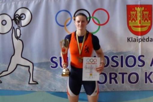 Anykščių kūno kultūros ir sporto centro sunkiaatletė Gintarė Bražaitė tapo Lietuvos čempione