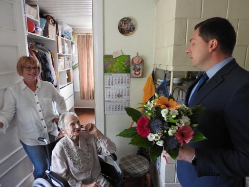 Jubiliejaus puokštė 90-metei gėlininkei