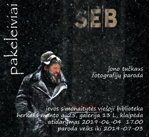 """Jono Tučkaus fotografijų parodos """"Pakeleiviai"""" atidarymas"""