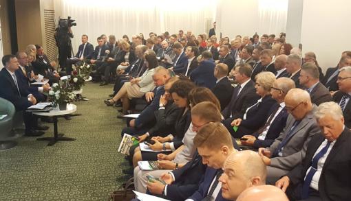 Rajono savivaldos atstovai dalyvavo Lietuvos savivaldybių asociacijos suvažiavime