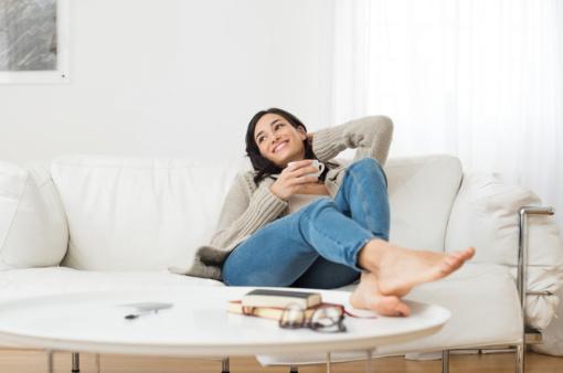 Kaip prižiūrėti skirtingų audinių sofas?