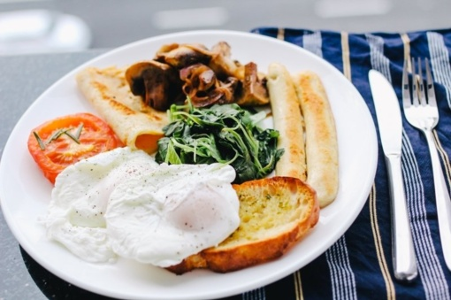Ar tikrai pusryčiai – svarbiausias dienos valgis?