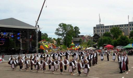 """Žemaitijos regiono dainų šventė """"Gyvybės medis"""""""