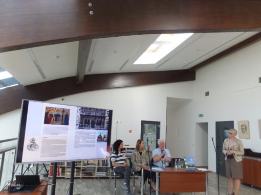 """Knygos """"Dniepru per Ukrainą"""" sutiktuvės Viešojoje bibliotekoje"""