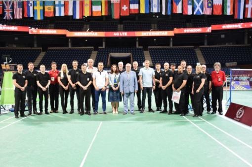 Pasveikinti tarptautinio badmintono turnyro dalyviai