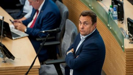 P. Gražulis: jaučiuosi persekiojamas, tegul sprendžia Seimas