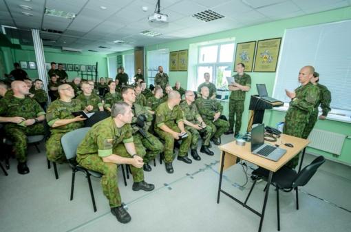 """Mechanizuotosios pėstininkų brigados """"Geležinis Vilkas"""" padaliniuose paskelbtas mokomasis aliarmas"""