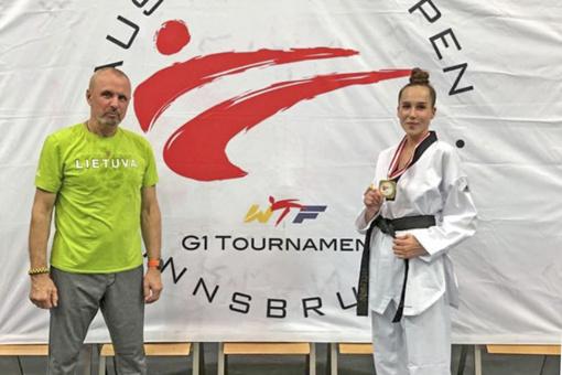 Iš Austrijos – su čempionės trofėjumi!