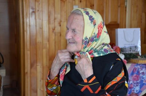 Sveikinimai šimtametei Stanislavai iš Kaniūkų kaimo