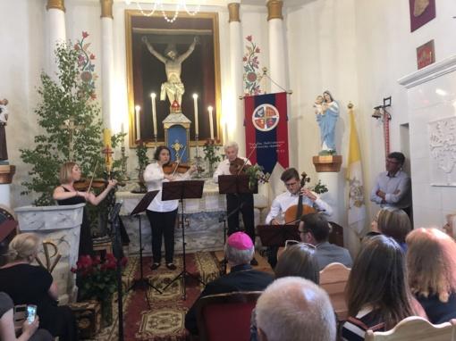 Švenčiant Sekmines Babriškėse prasidėjo Varėnos krašto muzikos festivalis