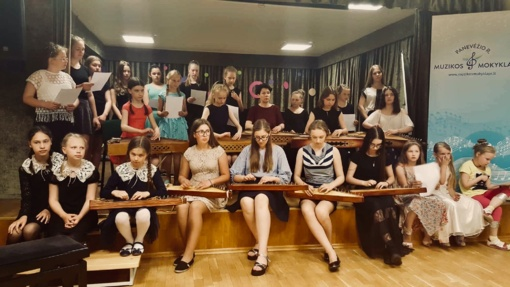 Kanklių muzikai populiarinti Panevėžio rajone gimsta nauja tradicija