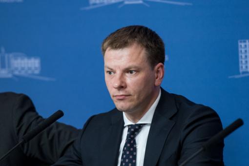 V. Šapoka: greitas pinigų įnešimas į ekonomiką grėstų perkaitimu