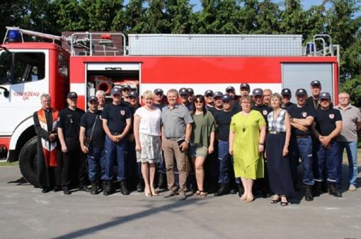 Veiviržėnų ugniagesiai į pagalbą skubės moderniu automobiliu
