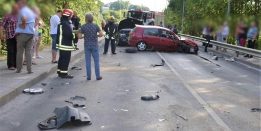 Dėl avarijos buvo sustabdytas eismas Antano Juozapavičiaus tiltu