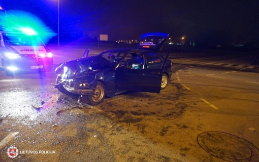 Savaitgalis Lietuvos keliuose:28-erių vairuotojas žuvo, 53 sužeisti