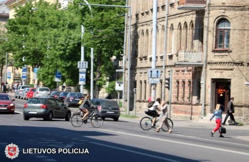 """Patarimai dviračių vairuotojams – akcijoje """"Dviračiu važiuok saugiai"""""""