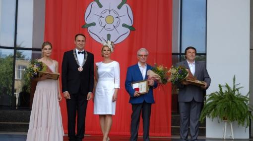 Per miesto gimtadienį įteiktos miesto garbės piliečio regalijos ir paskelbti kultūros premijų laureatai
