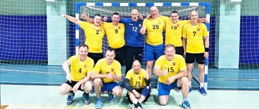 Kartu su jaunimu vienoje komandoje rungtyniavo ir veteranai