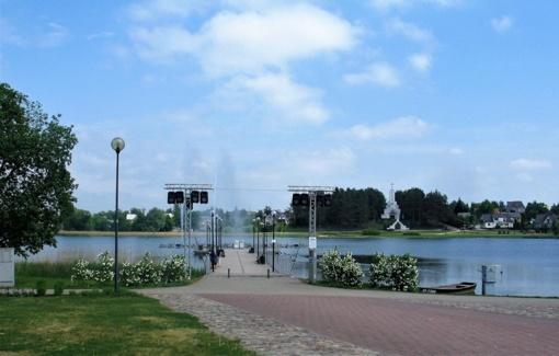 Pagaliau Dauniškio ežerą skros irklentės, plauks vandens dviračiai