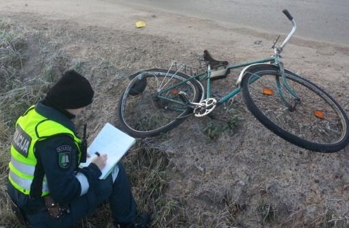 Savaitgalį: Juknaičiuose partrenktas dviratininkas, ištuštintas garažas, girti vairuotojai