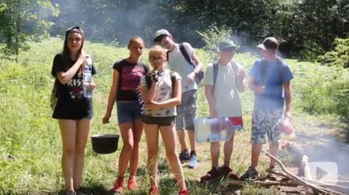 """Turiningas laisvalaikis ir nepamirštami įspūdžiai – """"Jaunųjų tyrėjų"""" vasaros stovykloje"""""""