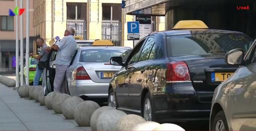 Pavežėjų laukia nauji iššūkiai – darbas be grynųjų ir reikalavimai automobiliams