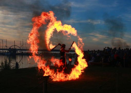 Magiška Joninių naktis subūrė šiauliečius prie Rėkyvos ežero