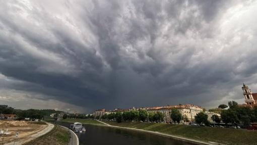 Orai: malonu nebus – vėjas, lietus ir perkūnija, o paskui viskas nurims