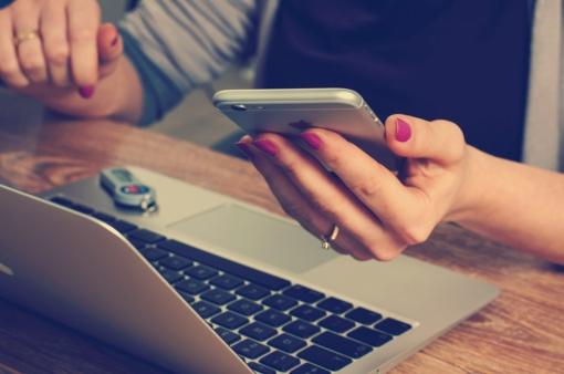 3 paprasti būdai, kaip išjungti kompiuterį ir bendrauti gyvai