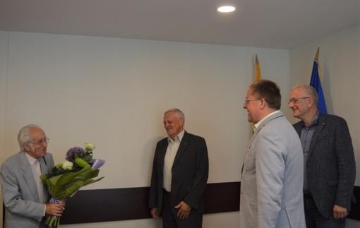 Palangos miesto garbės piliečiui Jonui Brindzai – sveikinimai gimtadienio proga visų kurorto gyventojų vardu