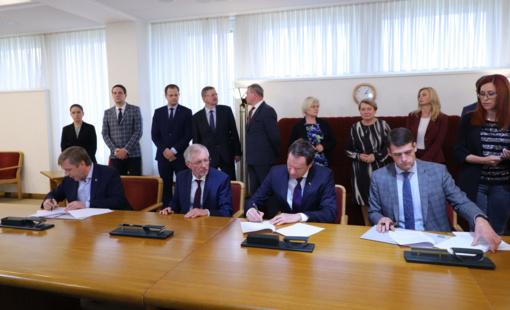 Seime pasirašyta nauja valdančiosios koalicijos sutartis
